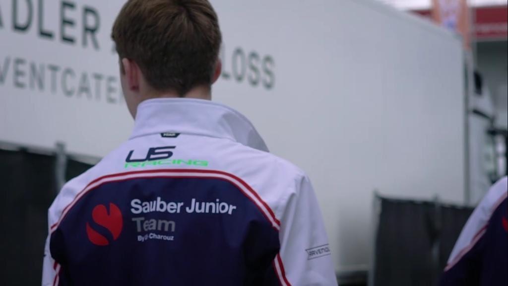 #capteamwear #sauberjuniorteam #ontrack#motorsport #teamwear